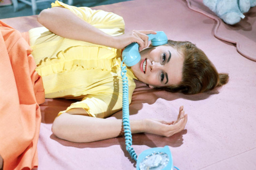 25-phone-call-ann-margaret.w529.h352
